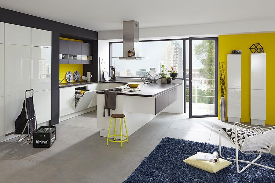 angebote und ausstellungsk chen besonders g nstig. Black Bedroom Furniture Sets. Home Design Ideas